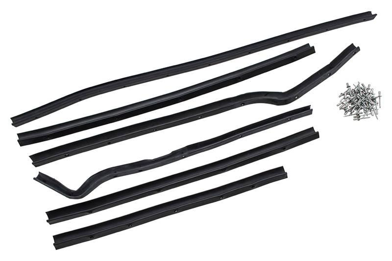 Safari Engineering Land Rover Specialist Hampshire Eversley – Nearside Front Door Seal Kit to fit Land Rover Series 2 & Series 3 - Britpart DA1495