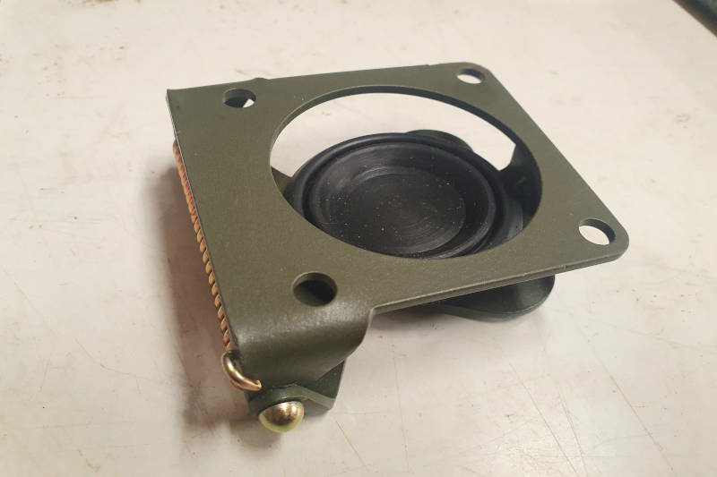 Safari Engineering Land Rover Specialist Hampshire Eversley – Military NATO Sprung Socket Cover Series 2 Series 3 Half Ton Lightweight & Wolf - PRC6239