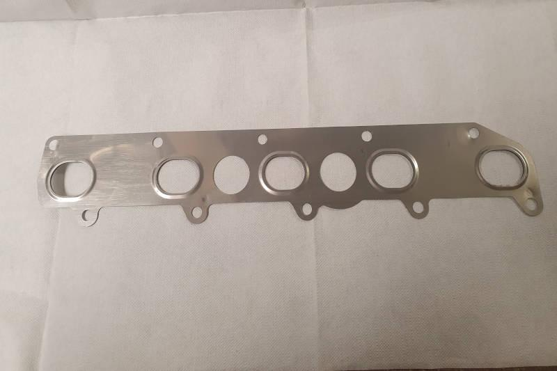 Safari Engineering Land Rover Specialist Hampshire Eversley - Exhaust Manifold Gasket - Fits Defender & Discovery 2 - Britpart LKG100470G