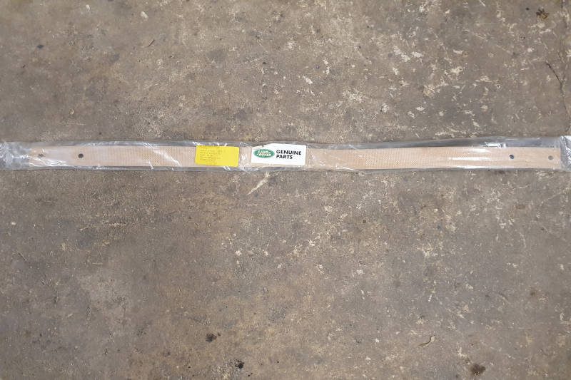 Safari Engineering Land Rover Specialist Hampshire Eversley – Check Strap - Rear Axle - Land Rover Series 2 Series 2A & Series 3 LWB SWB - 598854