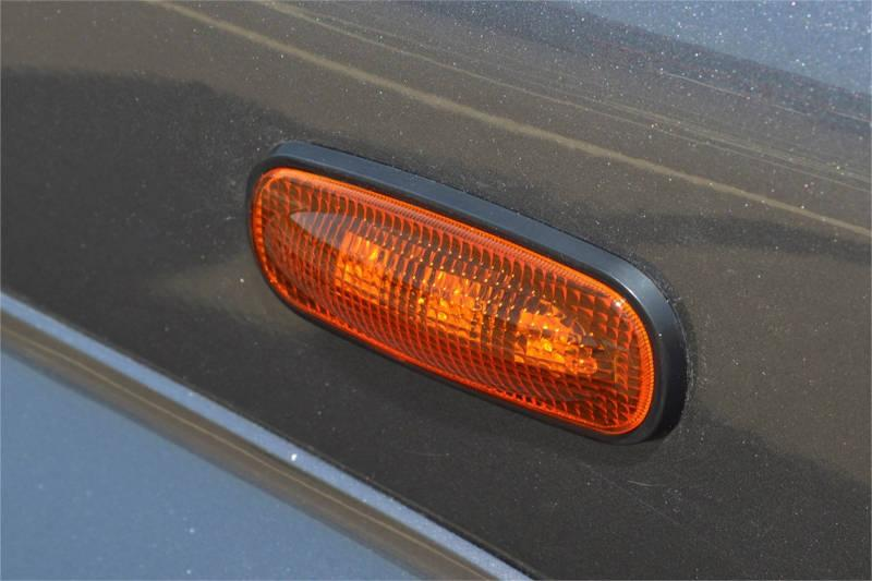 Safari Engineering Land Rover Specialist Hampshire – LED Side Repeaters – Amber - Pair to fit Defender TD5 Onwards – Britpart DA8532