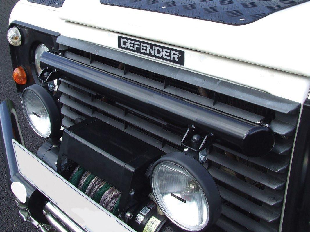 Safari Engineering Land Rover Specialist Hampshire – Black Light Bar - Defender Non Air con - Britpart DA5624