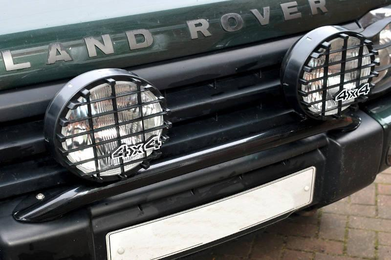 Safari Engineering Land Rover Specialist Hampshire – Black Light Bar Lights Not Included - To Fit Discovery 2 - Britpart STC50243