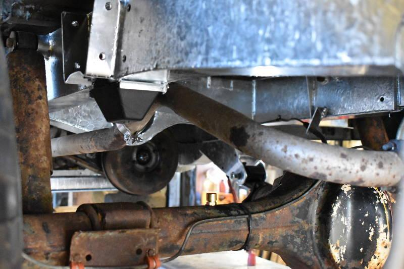 Safari Engineering in Eversley Land Rover Experts Galvanised Chassis Replacement