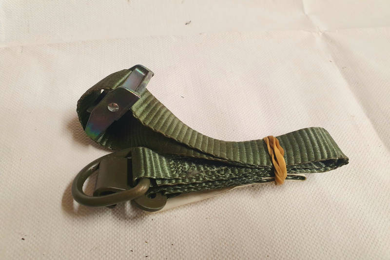 Safari Engineering Land Rover Specialist Hampshire Eversley – Original Military Jerry Can Securing Locker Strap Defender 110 & Wolf NSN 5340 99 538 8633