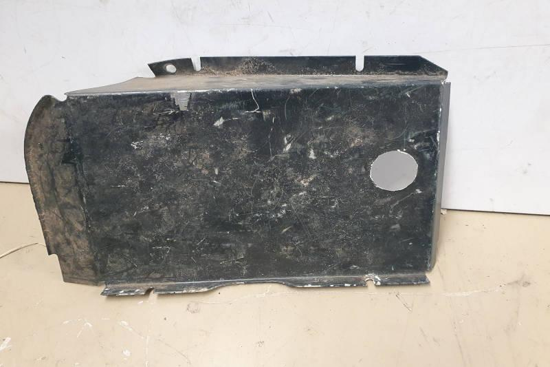 Safari Engineering Land Rover Specialist Hampshire Eversley Defender 110 Rear Body Light Wiring Cover Off side MTC7878