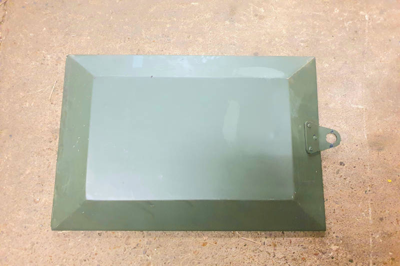 Safari Engineering Land Rover Specialist Hampshire Eversley – Genuine Land Rover Wolf Military Side Locker Door - Green