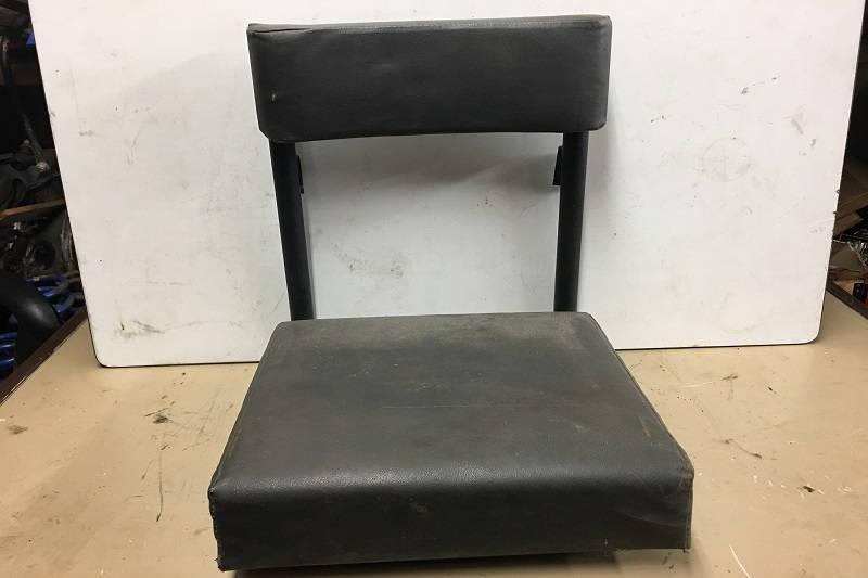 Safari Engineering Land Rover Specialist Hampshire - Genuine Land Rover Radio Operator Seat Land Rover Series 2 and Series 3 and Defender 90 and Defender 110 Part Number EXT058-BV