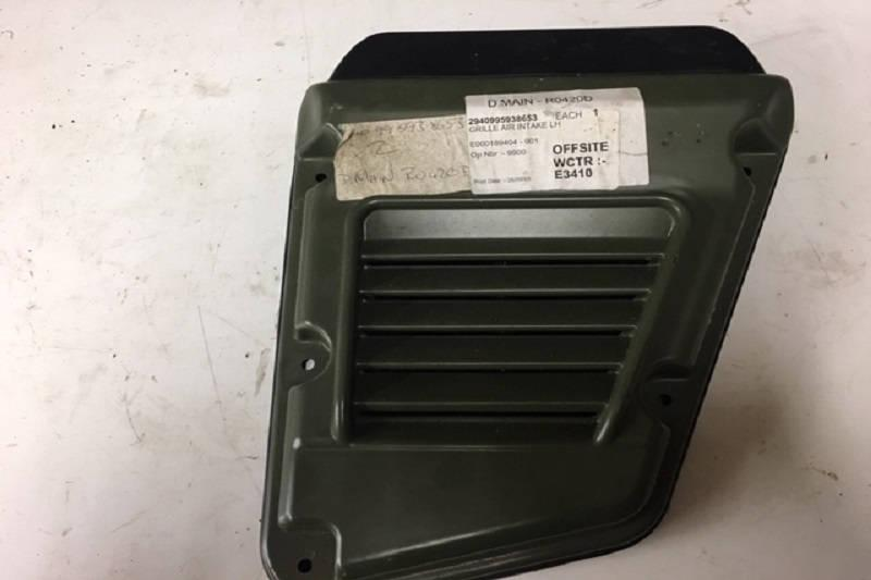 Safari Engineering Land Rover Specialist Hampshire Eversley - Land Rover Military Air Intake Wing Vent Panel - Offside - Land Rover Wolf - ESR4570