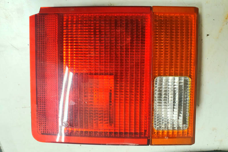 Safari Engineering Land Rover Specialist Hampshire Eversley – Nearside Rear Lamp Assembly to fit Range Rover P38 - XFE100230