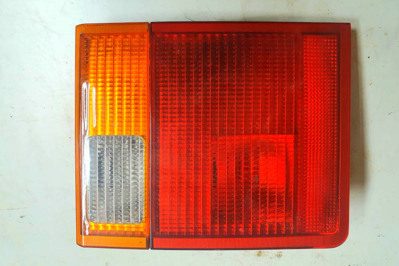 Safari Engineering Land Rover Specialist Hampshire Eversley – Offside Rear Lamp Assembly to fit Range Rover P38 - XFE100220