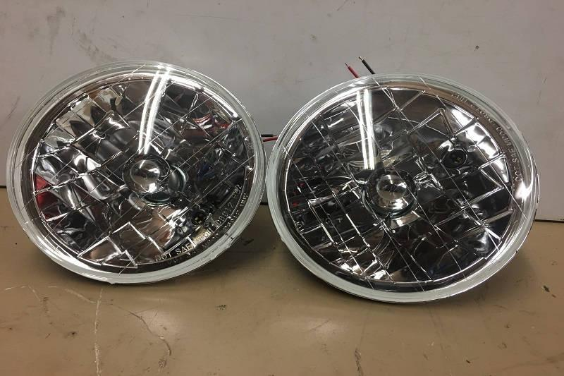 Safari Engineering Land Rover Specialist Hampshire -  Land Rover Series 2 and 3 Defender 90 and 110 and Range Rover Classic Crystal Clear Head Lamps Part Number RTC4615C