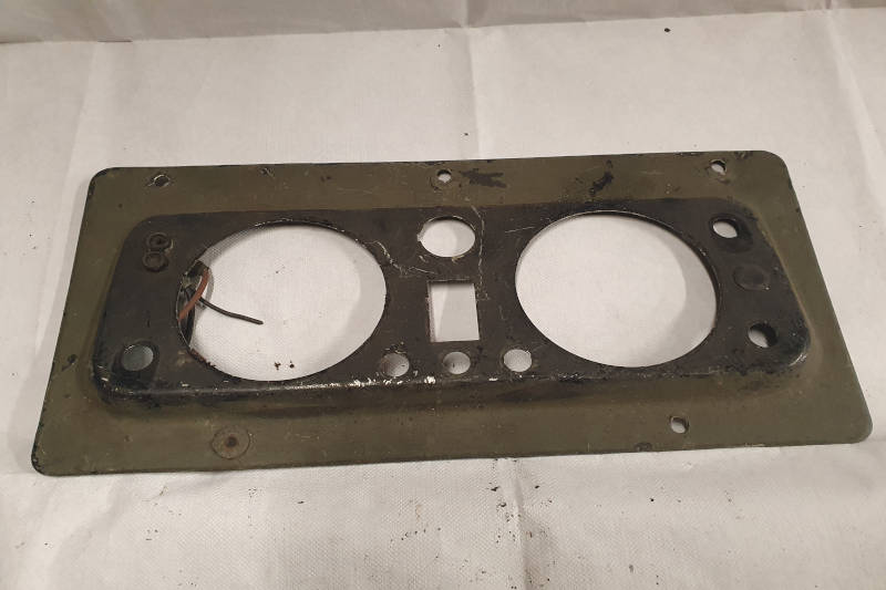 Safari Engineering Land Rover Specialist Hampshire Eversley – Instrument Panel to fit Land Rover Series 2A military vehicles - 302958