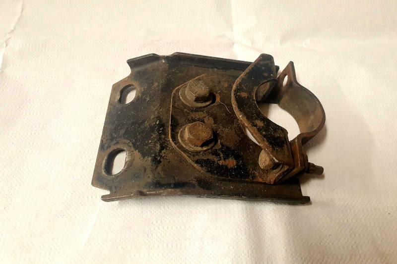 Safari Engineering Land Rover Specialist Hampshire – Top Steering Column Mounting Plate & Clamp Land Rover Series - 346713 - 346722 - SH605061L