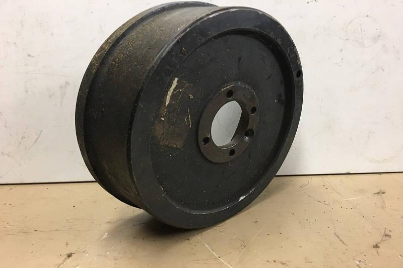 Safari Engineering Land Rover Specialist Hampshire - Hand Brake Drum Land Rover Discovery 1 Defender 90 Defender 110 and Range Rover Part Number FRC3502